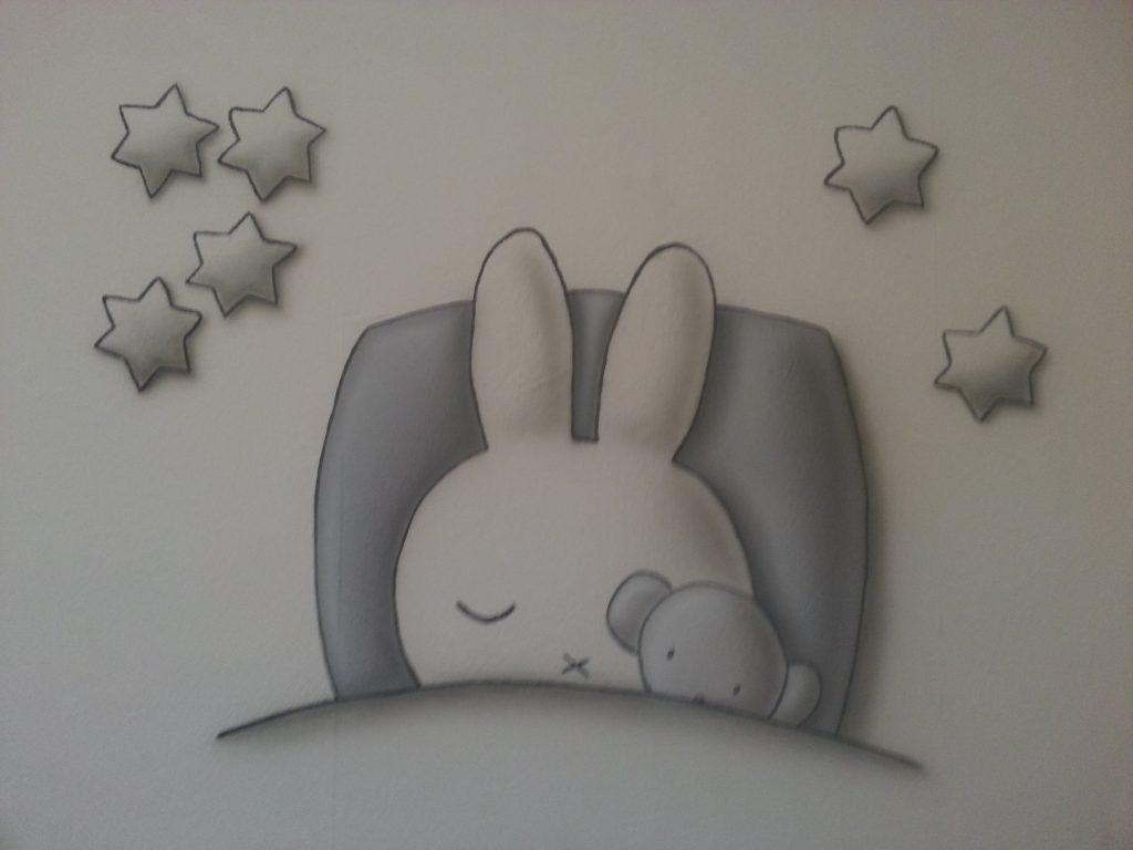 Nijntje met sterren muurschildering